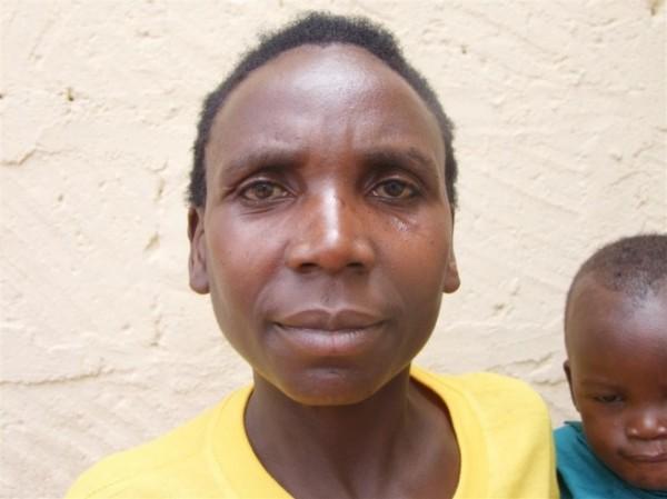 Jivah Nyiramajoro from Mperwa Dancers